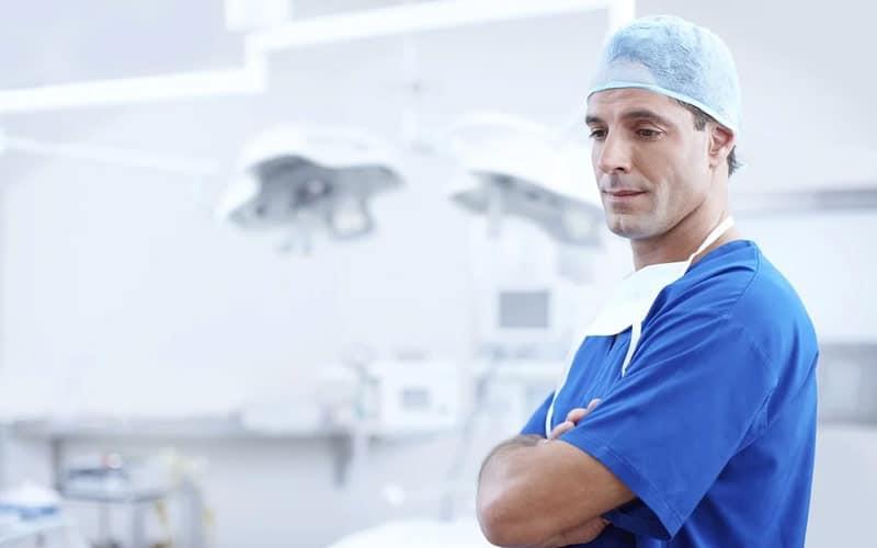L'aborto. Il medico può rifiutare di eseguire l'ecografia?