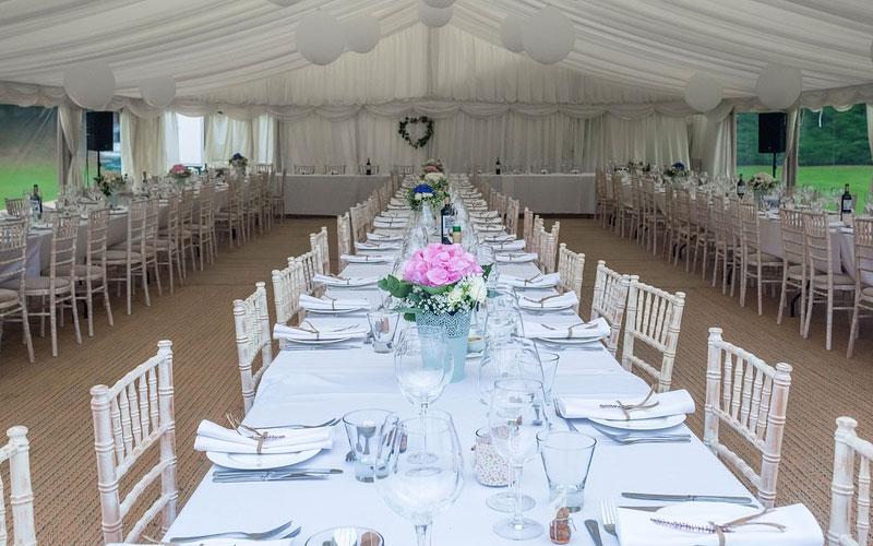 Inadempimento contrattuale e pranzo di nozze inadeguato: gli sposi possono non pagare il conto